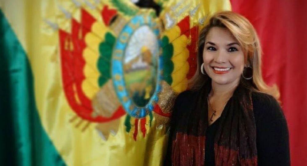 Añez se abre a una posible candidatura a la presidencia