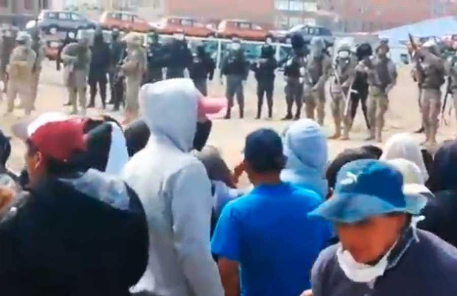 Incidentes en la frontera entre bolivianos que intentan ingresar al país y militares